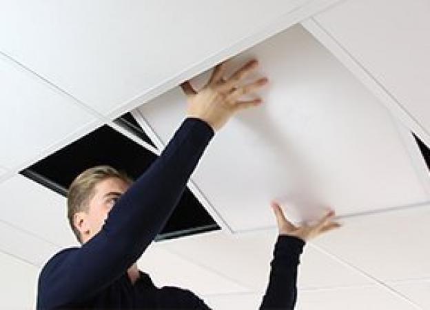 Hvordan installerer jeg et LED panel?